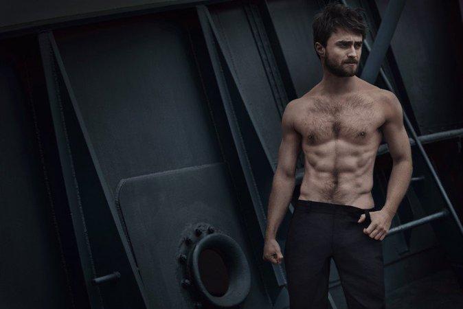 Daniel Radcliffe tombe la chemise et rompt avec Harry Potter