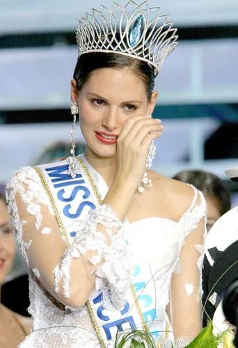 Laëtitia Bléger, Miss France 2004 élue le 13 décembre 2003
