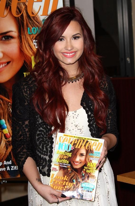 Il est beau mon magazine ! Qui veut acheter mon magazine ?