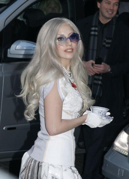 Lady Gaga, vous lui donnez 25 ans ?