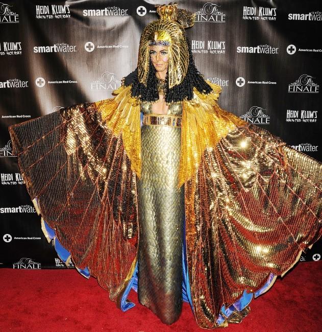 Heidi Klum fête Halloween en retard