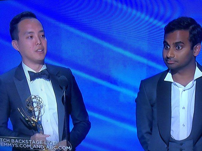 Les scénaristes de Master Of None, victorieux du prix du meilleur scénario comique !