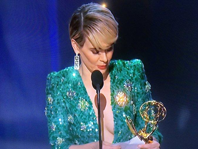 Sarah Paulson a gagné un prix ... mais pas celui de la plus belle robe !