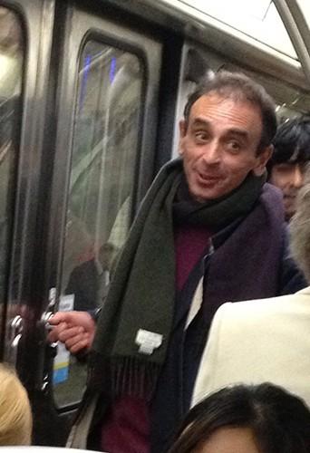 Eric Zemmour dans le métro parisien le 12 avril 2013