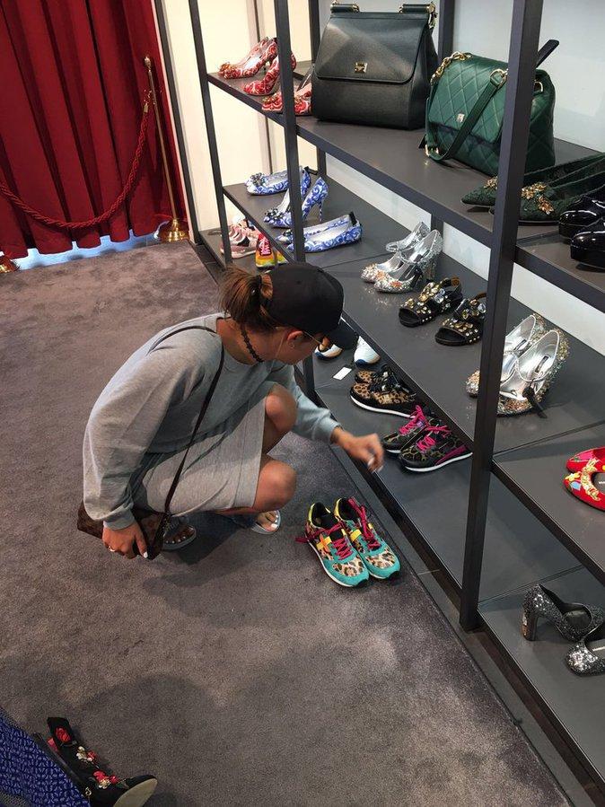 Exclu Public : Photos : Coralie : trop de style à Amsterdam !