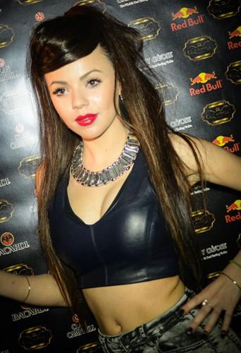 Niia Hall