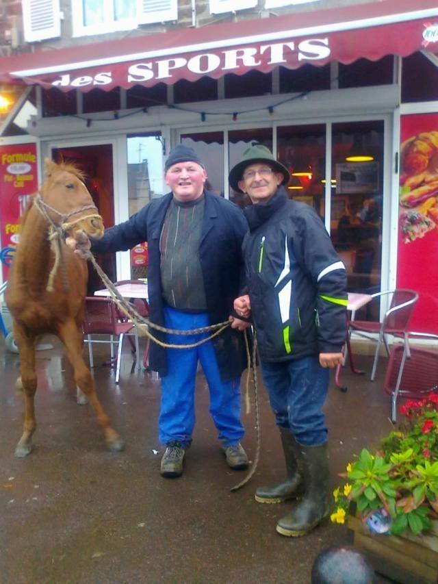 Thierry, ravi d'avoir vendu son poulain Chocolat le 19 octobre 2012 lors de la foire de Saint-Luc à Gavray !