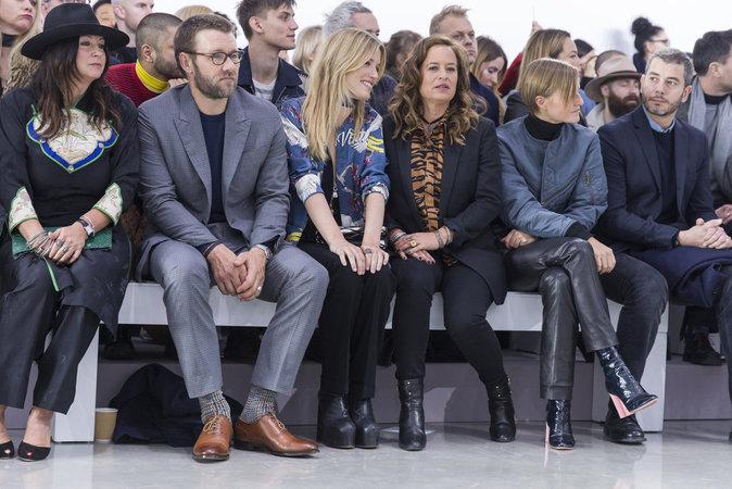 Un parterre de stars au défilé Louis Vuitton de Paris