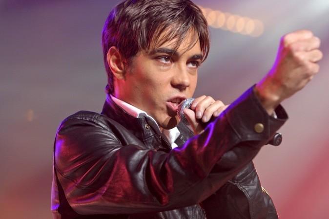 """Gregory Lemarchal chante pour le 10ème """"Night of the stars"""", organisé par RTL 9 !"""