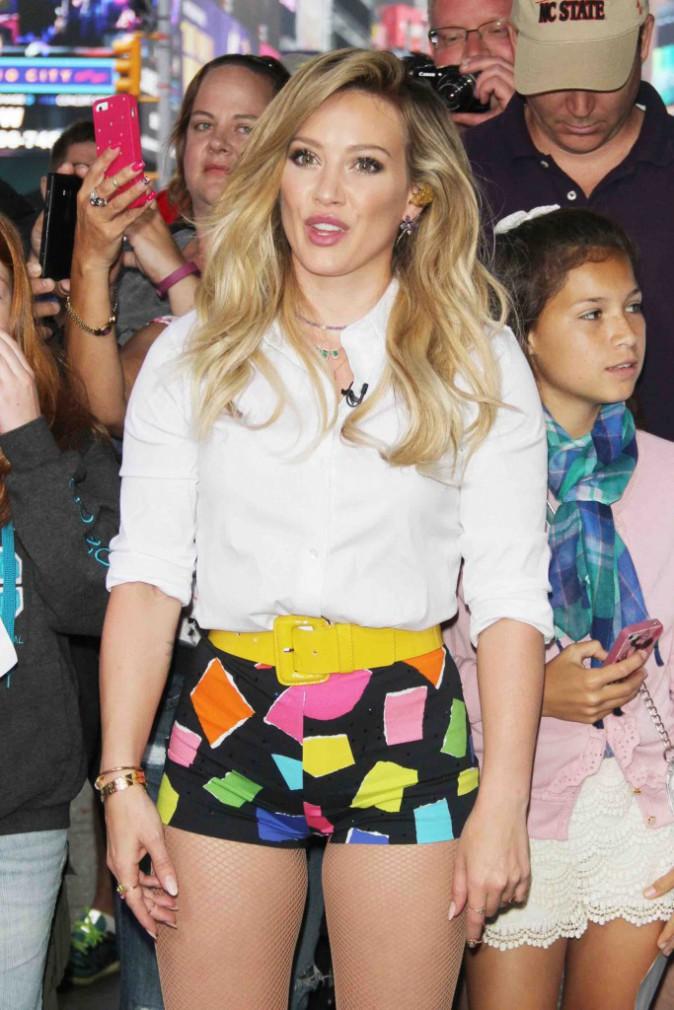 Hilary Duff : une émission, deux tenues !
