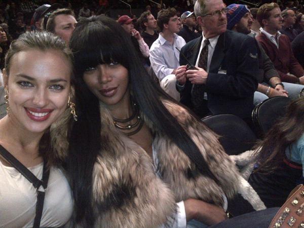 Irina Shayk et Jessica White lors du match des Knicks face aux Orlando Magic au Madison Square Garden à New York, le 16 janvier 2011.
