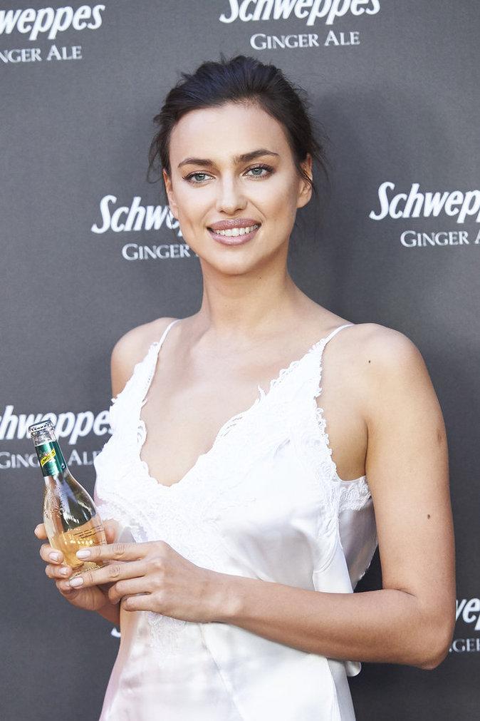Irina Shayk a un sourire ravageur