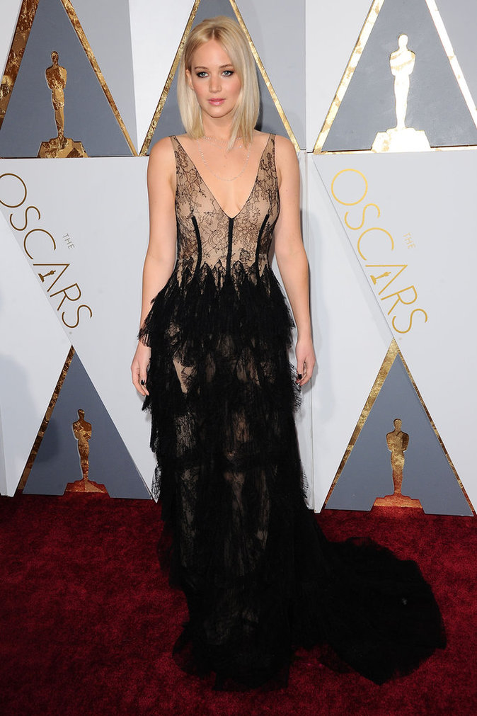 Jennifer Lawrence est sublime aux Oscards 2016