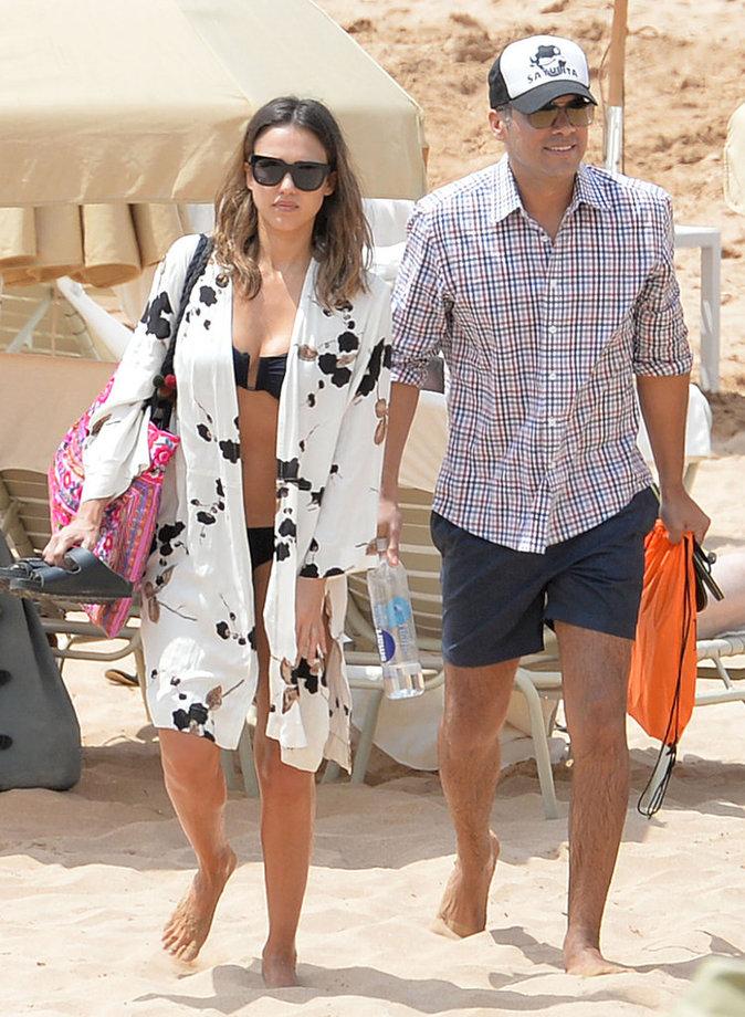 Jessica Alba et Cash Warren profitent de leurs vacances en famille