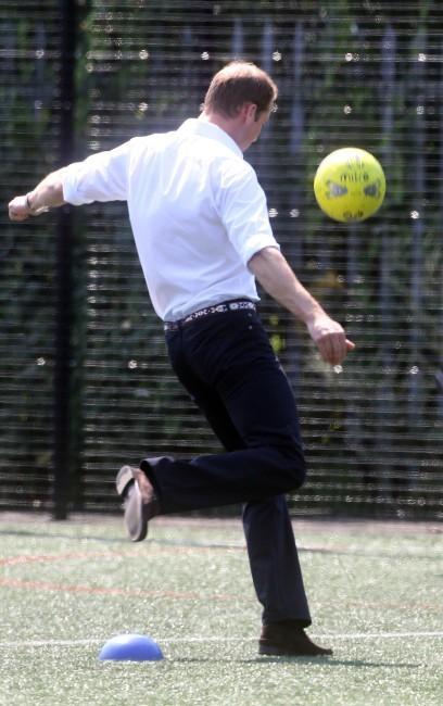 Le prince William au Bacon's College à Londres, le 26 juillet 2012.