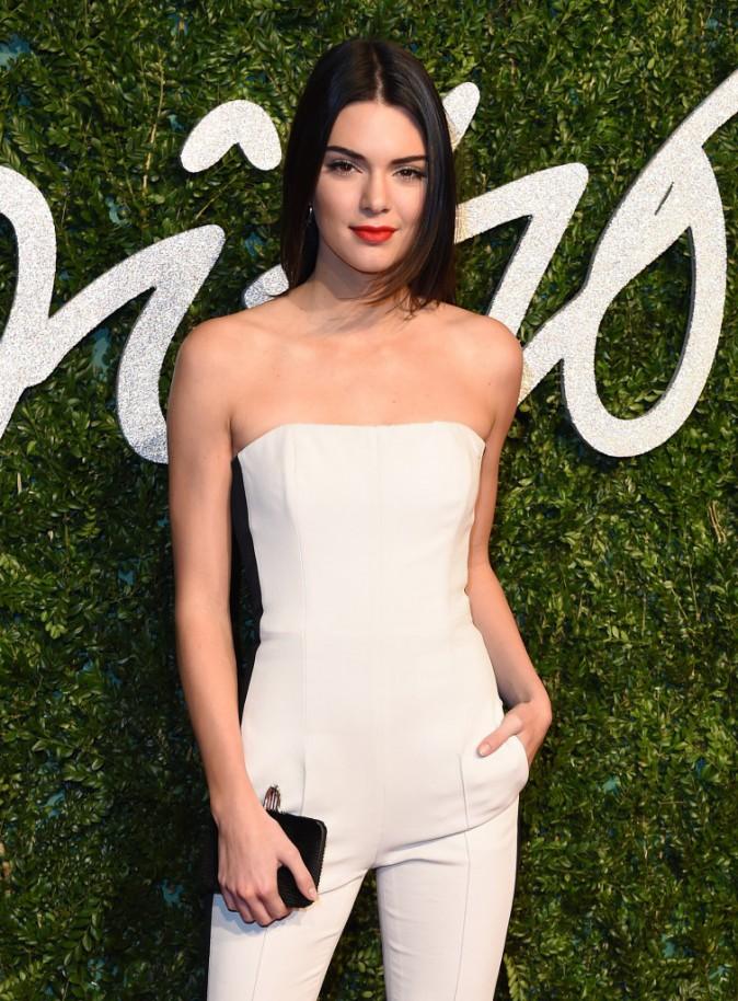 Kendall Jenner : Après sa soeur Kim Kardashian, à son tour de poser nue pour le magazine LOVE !