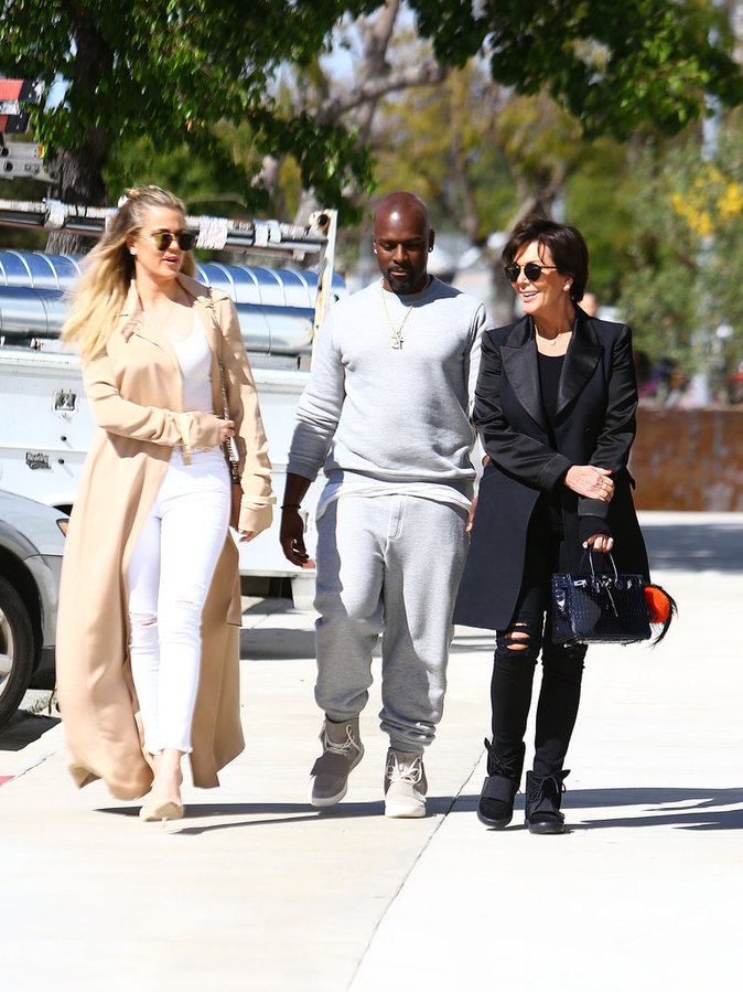 Khloe Kardashian a passé l'après-midi avec sa mère et Corey Gamble