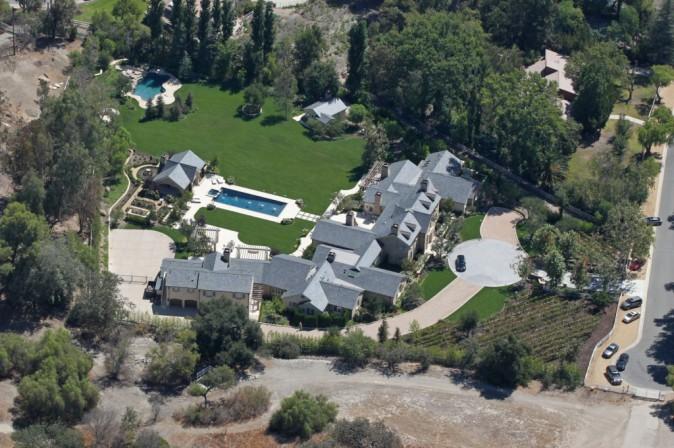 Kim Kardashian et Kanye West : bient�t pr�ts � emm�nager dans leur grande demeure !