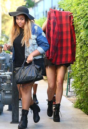Kylie Jenner : complètement planquée pour une sortie entre amis avec Jaden Smith !