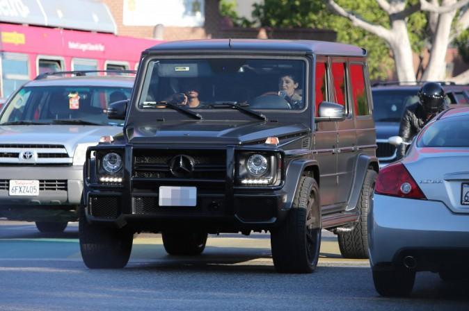 Kylie Jenner en virée shopping avec sa BFF Sofia Richie le 7 août 2014 à L.A.