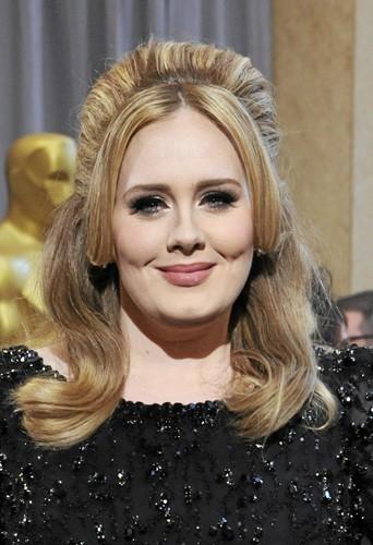 Someone Like You d'Adele est la chanson la plus téléchargée en avion.