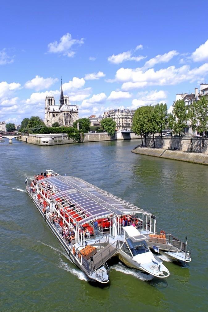 Découvrez Paris, ses monuments, son histoire, à bord de bateaux-mouches