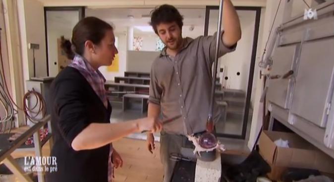 Cyrille a réservé une belle surprise à Lisa : ouvrir une verrerie que pour elle !