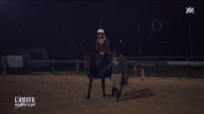 Première balade à cheval pour Elodie, sous la conduite de Florent !