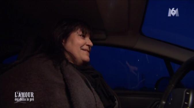 Sandrine arrive de nuit chez Michel...