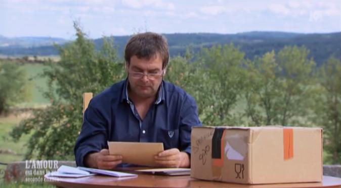 Philippe l'Auvergnat a préféré être seul pour découvrir son courrier !