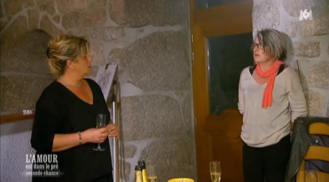 Sabine enfonce le clou devant Muriel en disant qu'elle peut encore être maman