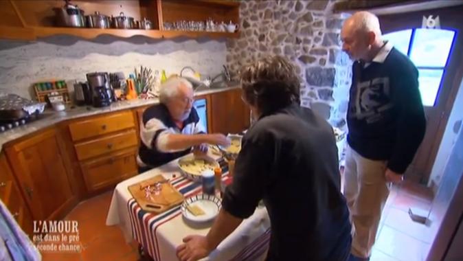 Et Bernard prépare encore à manger !