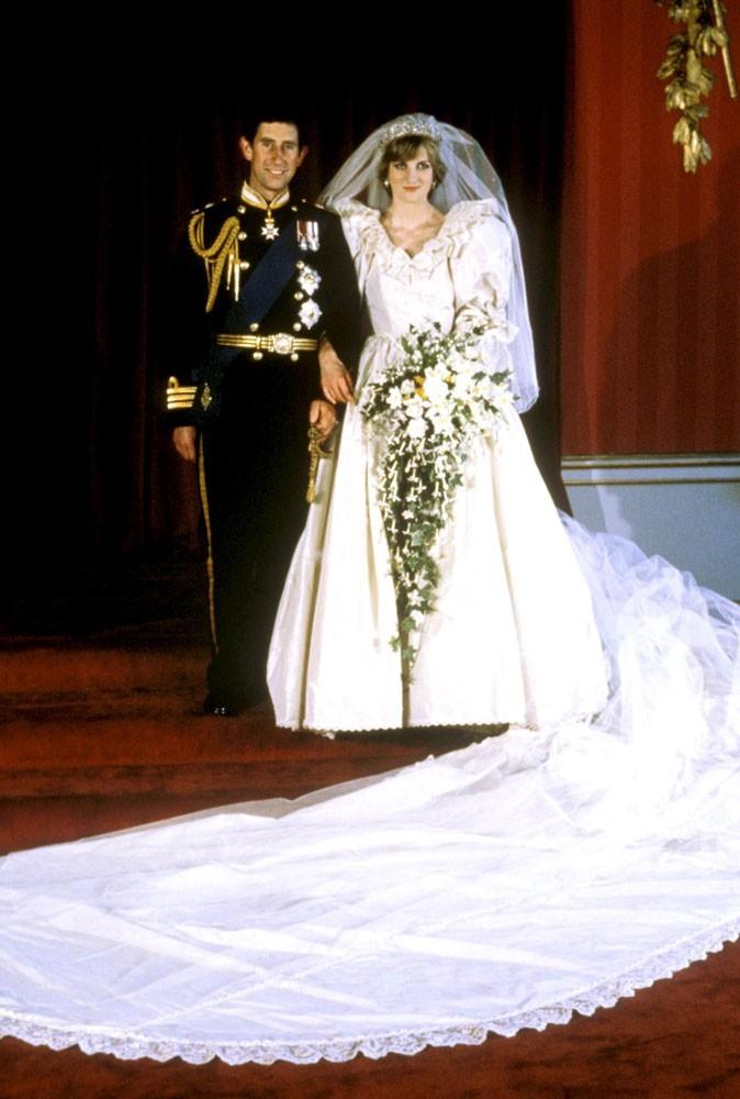 "Photos : Diana a dit ""oui"" à son prince..."