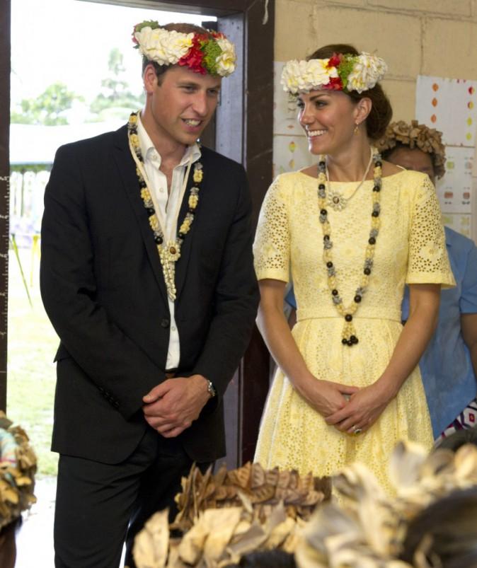 Voyage officiel sur l'île de Tuvalu, où ils apparaissent complices