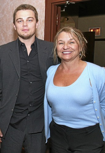 Leonardo est très proche de sa mère.