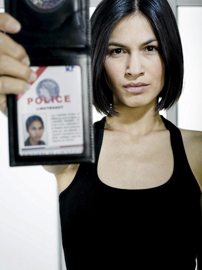 Elodie Yung est Laura Maurier dans Les Bleus !
