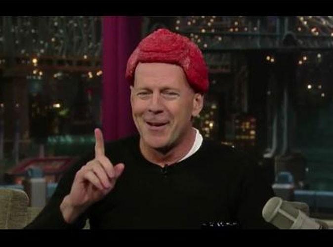 Bruce Willis avec un steack sur la tête du jamais vu !