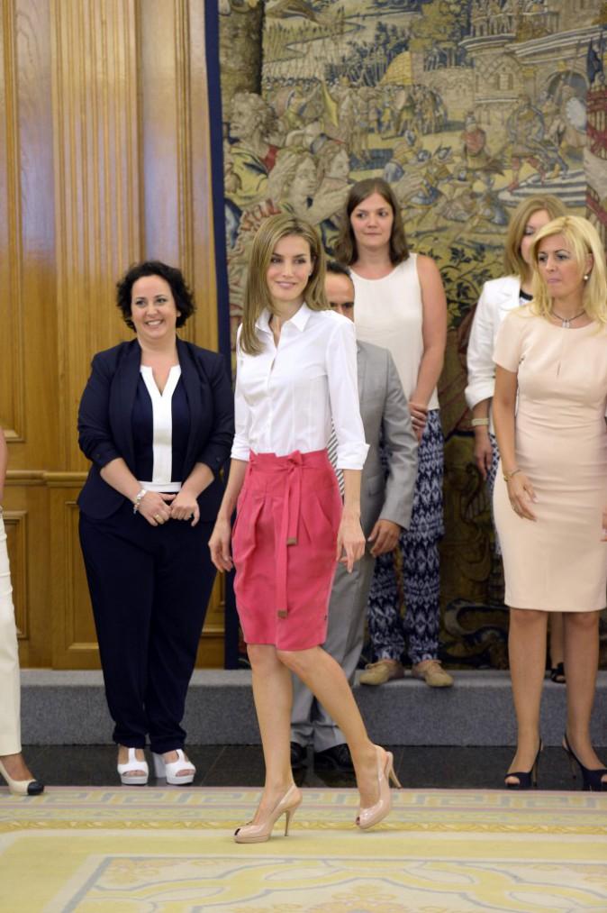 Letizia d'Espagne reçoit le 28 juillet des membres de l'association Butterfly Skin et de jeunes malades atteints d'épidermolyse bulleuse