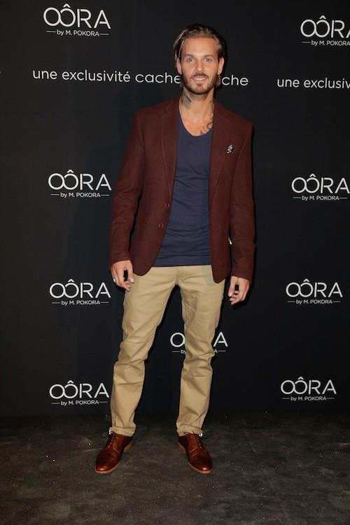 En 2013, il lance sa marque OORA
