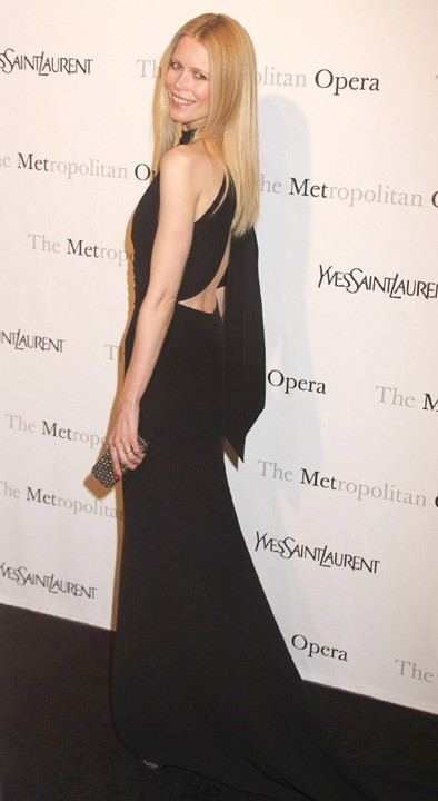 Claudia Schiffer lors de la première de l'opéra de Rossini, Le Comte Ory, au Metropolitan Opera House à New York, le 24 mars 2011.