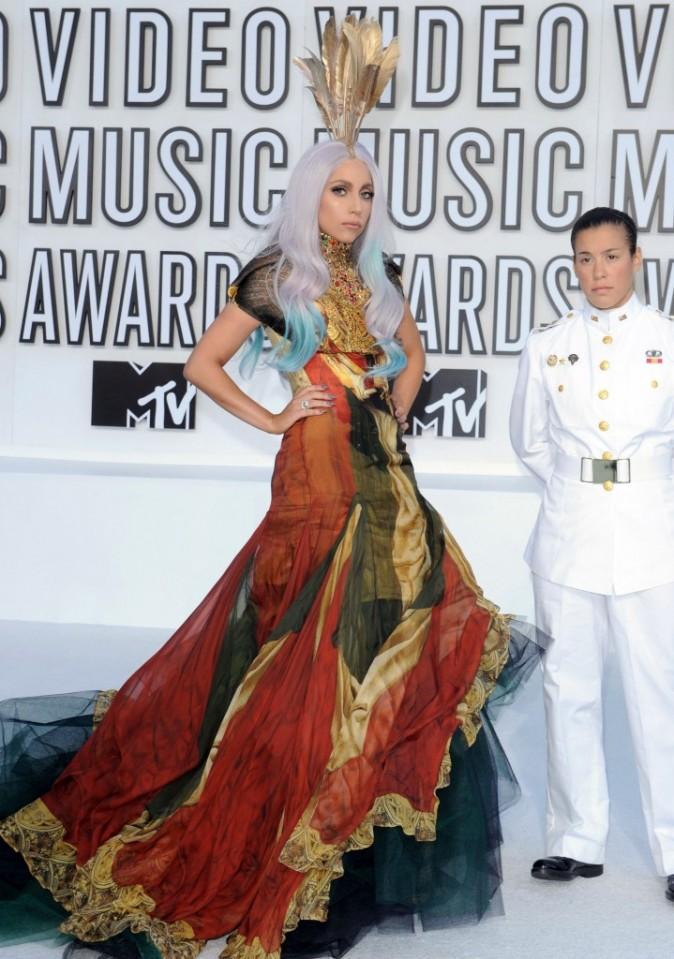 VMA 2010: Gaga, la reine du look atypique !