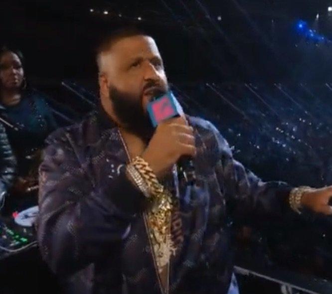 DJ Khaled fait des interventions en tant que présentateur du show !