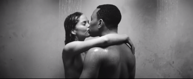 """Couples stars en vidéo : Christine Teigen et John Legend sur le titre """"All Of Me"""""""