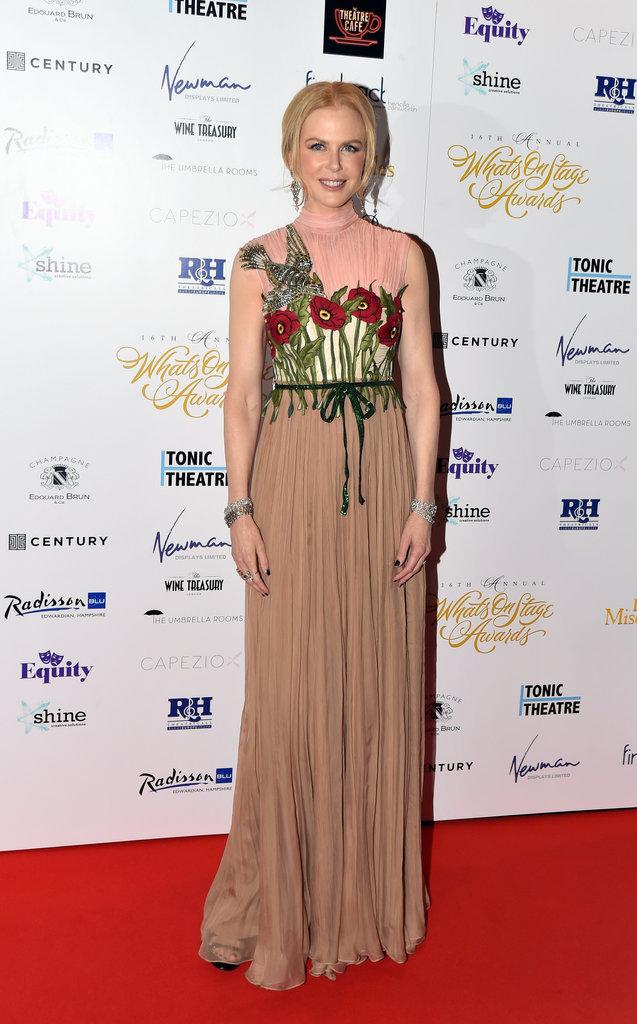 Nicole Kidman : éblouissante aux WhatsOnStage Awards pour recevoir le prix de la Meilleure Actrice !