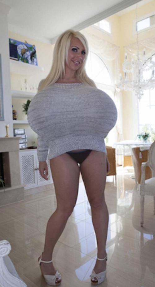 Les plus gros faux seins du monde