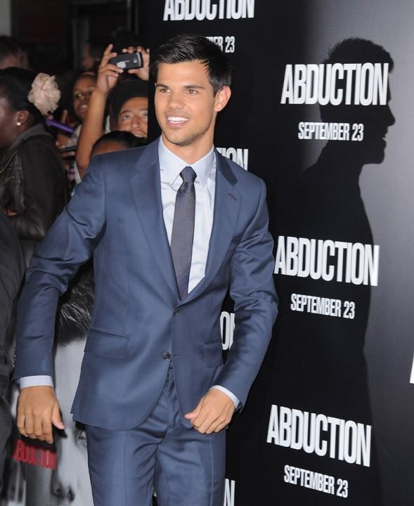 Taylor Lautner à l'avant-première hollywoodienne d'Abduction hier !