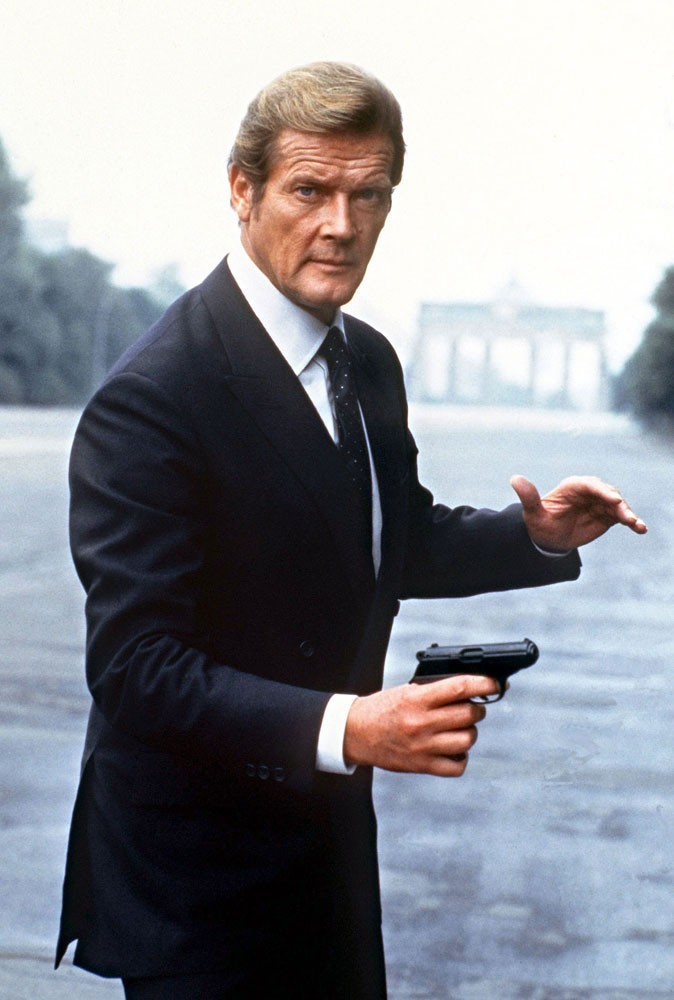 Photos : Roger Moore est James Bond dans Octopussy