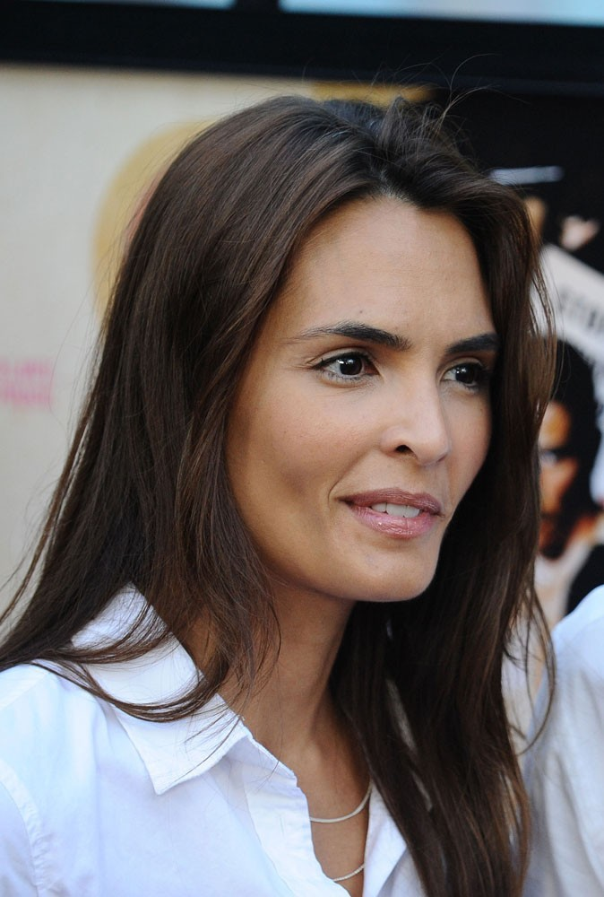 Photos : Talisa Soto est la James Bond girl de Permis de tuer