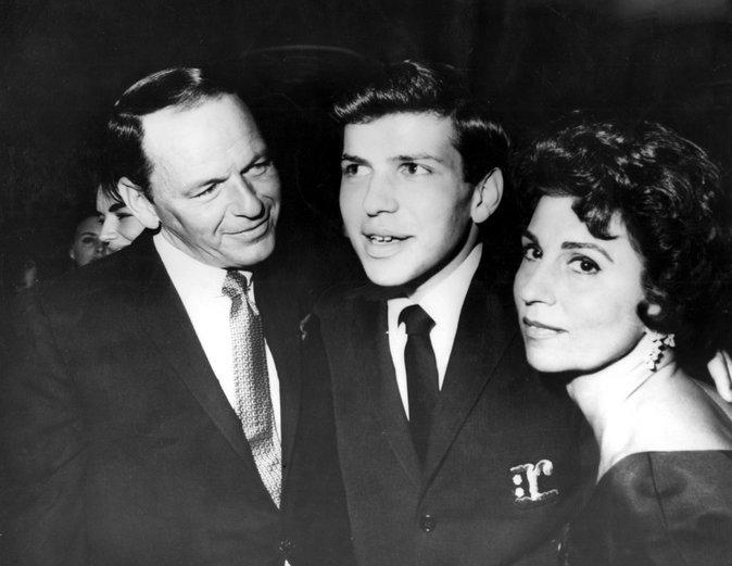 Photos : Ces 47 papas ont offert la célébrité en héritage à leurs enfants : Frank Sinatra, Frank Sinatra Jr, Nancy Sinatra