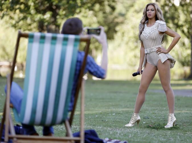 Beyonc� : sa statue de cire, tr�s r�ussie, est expos�e dans un parc de Londres !